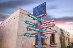 Direction signs for all the various museums in Mossel Bay